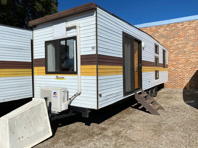 Squareline for sale in Windsor, NSW (SN 3041)