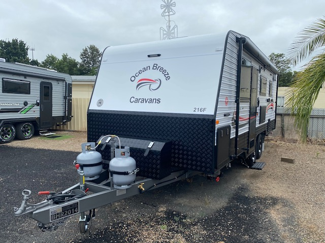 2021 Breeze Caravans 21'6 Family Caravan (BHR2014)