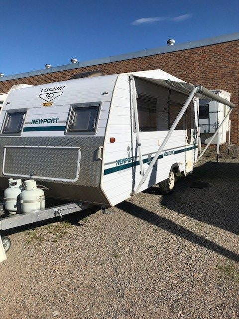 Viscount Newport 17'6 with Single Beds and Shower/Toilet Combo (SN10256))
