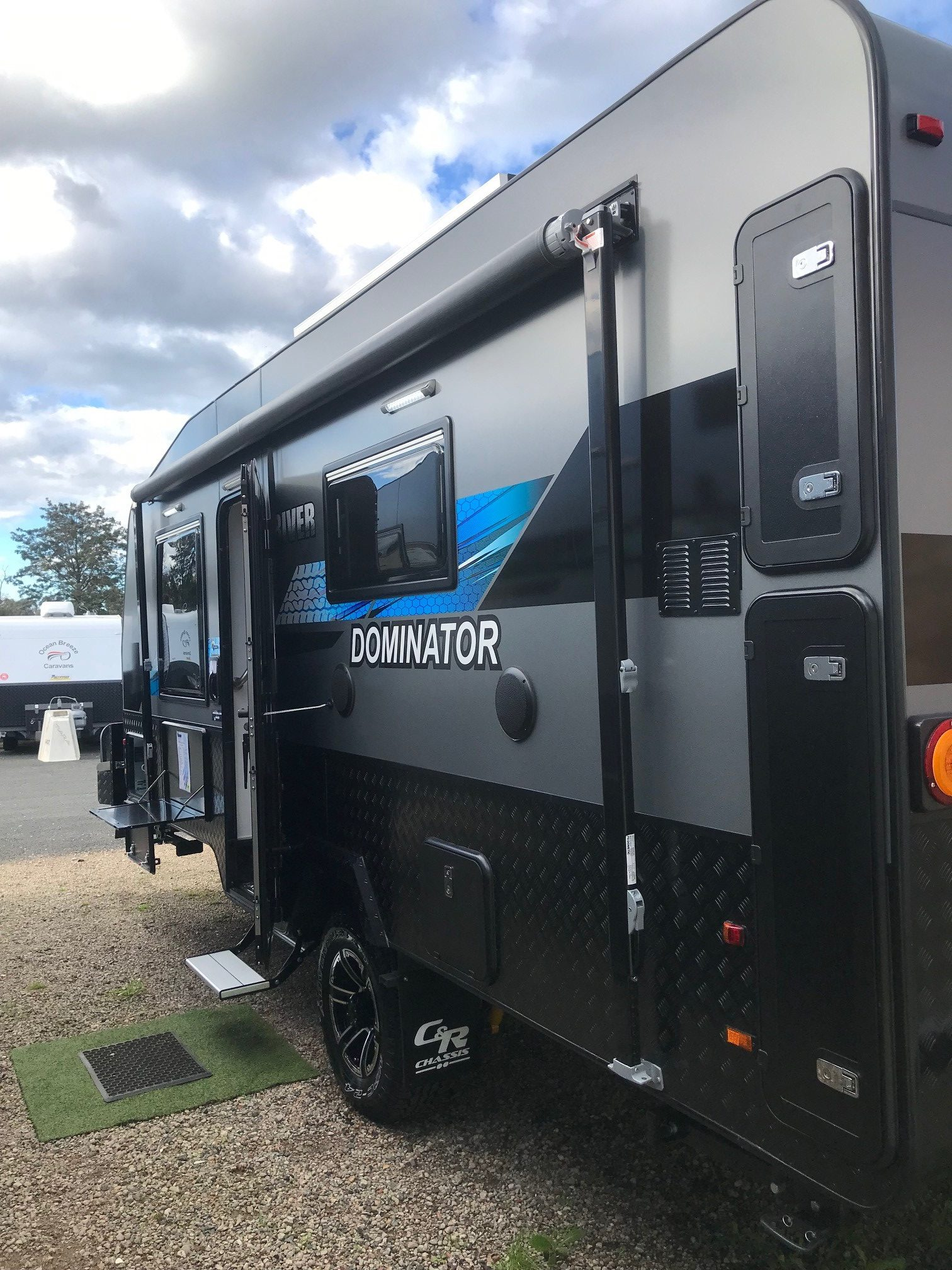 2021 River Dominator 18' with Ensuite (RC21168)